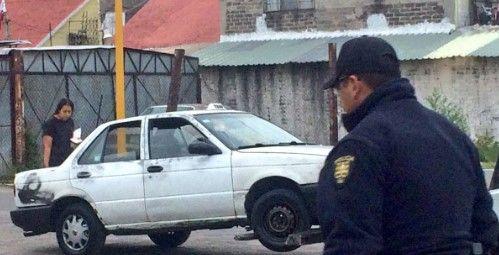 Hallan cuerpo decapitado en Iztapalapa - Foto de @javierr_ruiz