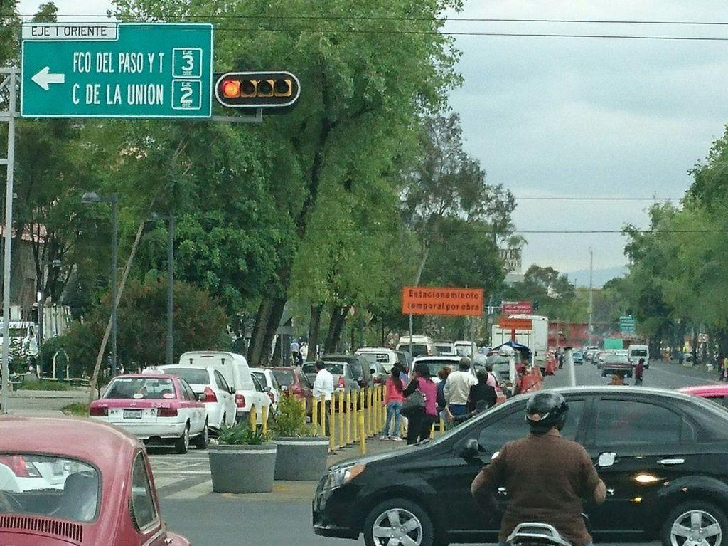 Gobierno capitalino cederá dos carriles de La Viga para estacionamiento - Foto de Internet