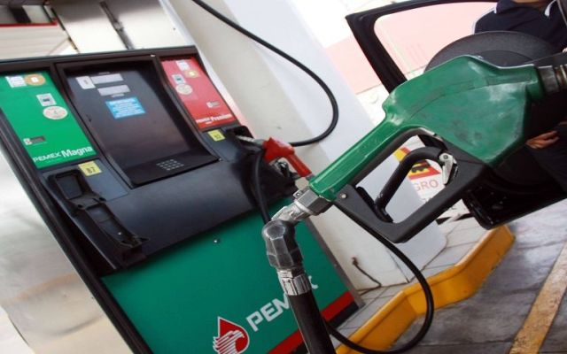 Podrían subir hasta 20 por ciento precios de las gasolinas: director de Pemex - Foto de Archivo