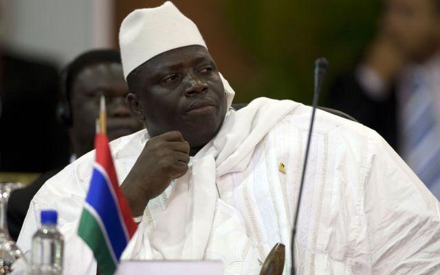 Expresidente de Gambia roba millones de dólares y huye del país - Foto de Reuters