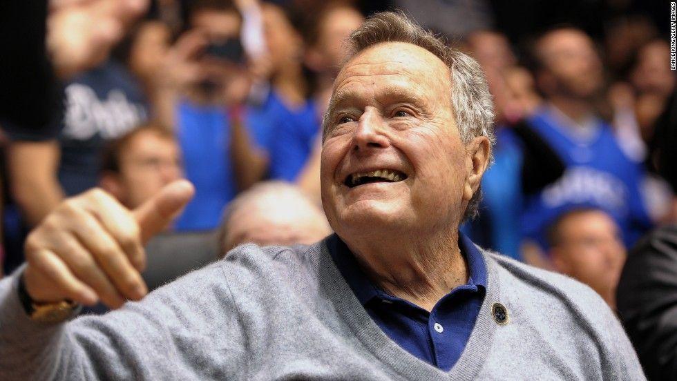 George Bush padre sale de terapia intensiva - Foto de Lance King/Getty Images