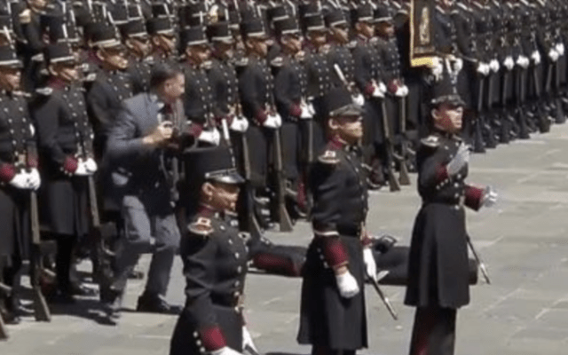 EPN afirma que cadete cayó con honor por no meter las manos
