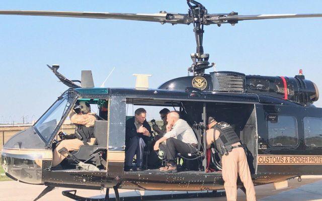 Secretario de Seguridad Nacional sobrevuela frontera México-Estados Unidos - Foto de @GregAbbott_TX