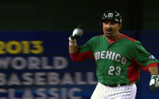 Adrián González afirma que Clásico Mundial de Beisbol está mal organizado - Foto de MLB