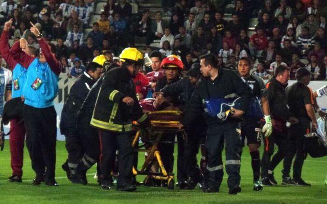 Jugador queda inconsciente en el Pachuca vs Saprissa