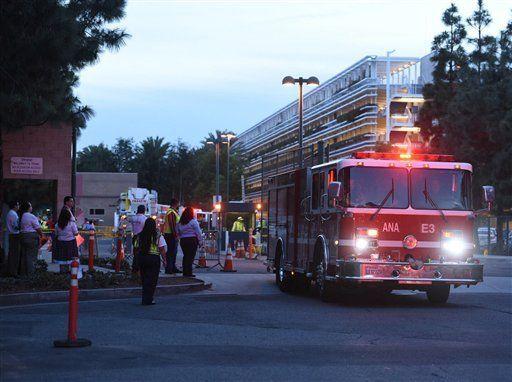 Incendio deja al menos siete lesionados en Disneylandia - Foto de AP