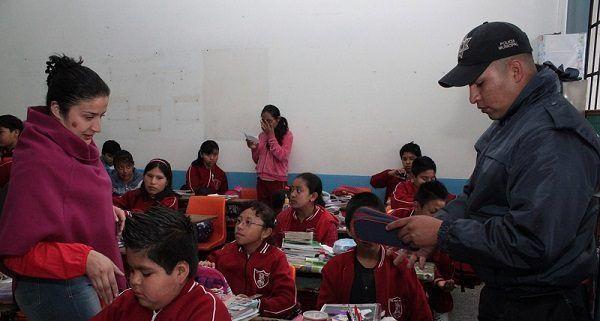 Hallan pistola de diábolos a alumno de primaria en Puebla - Foto de Internet