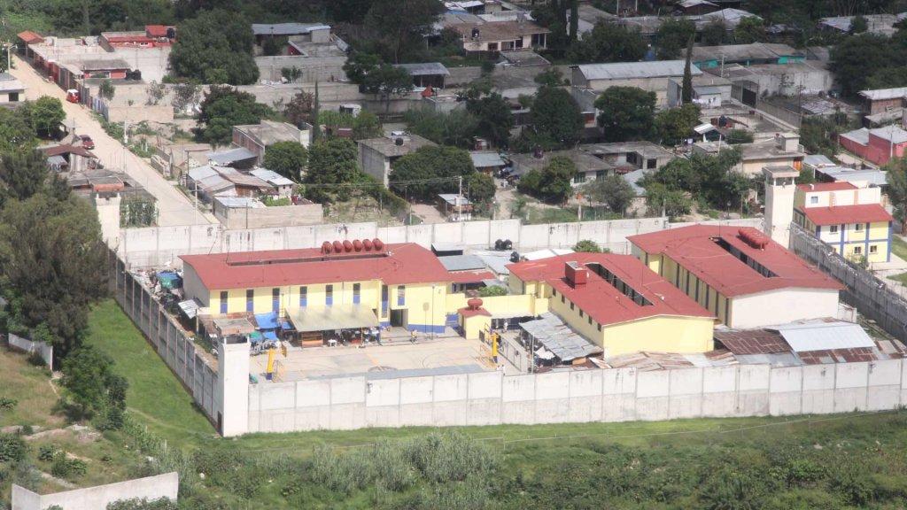 Riña entre dos reclusos deja un herido en Oaxaca