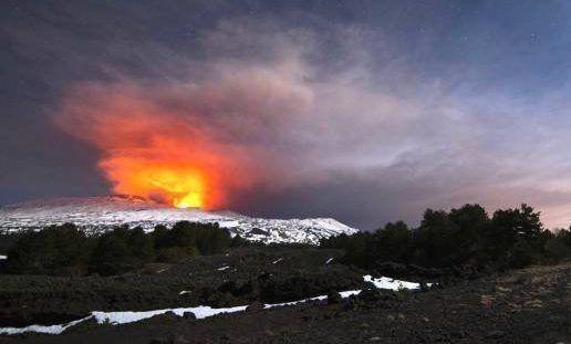 Erupción del Etna deja diez heridos - Foto de Salvatore Allegra. AP