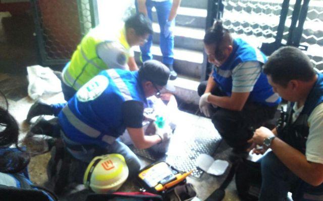 Hombre muere por caída en estación Pino Suárez