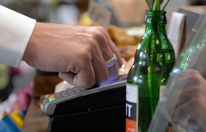 Anillo inteligente permite hacer compras sin smartphone