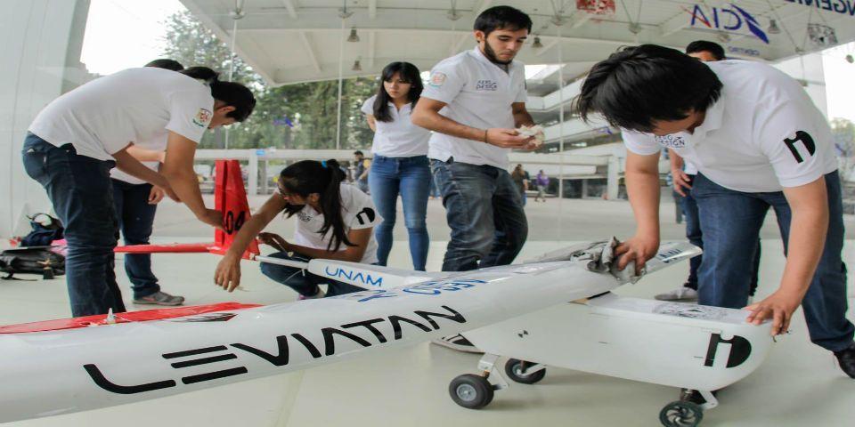Estudiantes de la UNAM ganan primer lugar en prueba de vuelo - Foto de Facebook