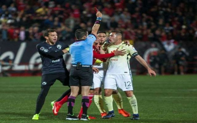 Suspenden diez juegos a Aguilar y ocho a Sambueza - Foto de La Opinión