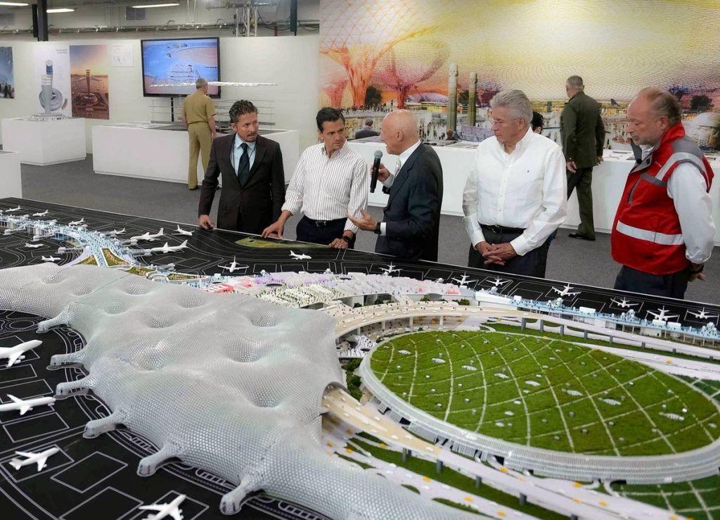 Enrique Peña Nieto recorre terrenos del Nuevo Aeropuerto