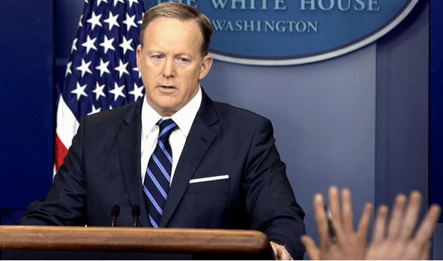 Sean Spicer se disculpa por referencias a Hitler durante discurso - Foto de Internet