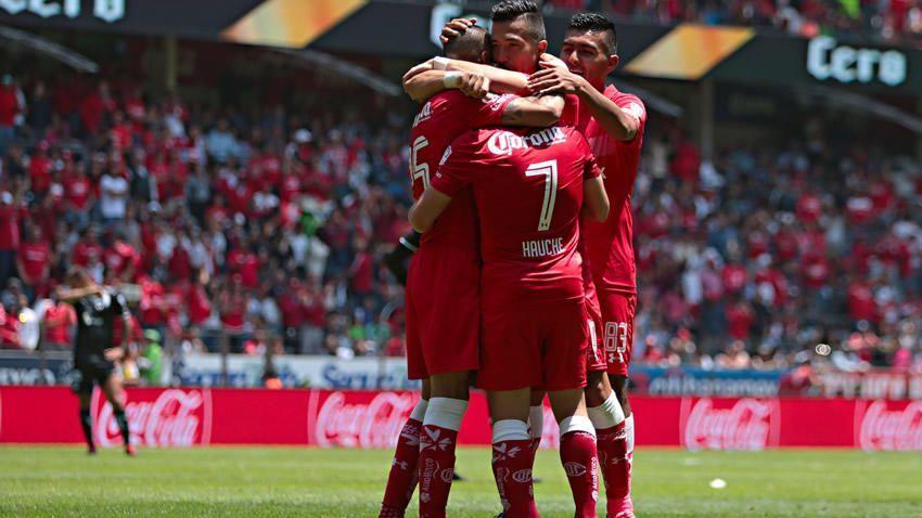 Toluca mantiene el liderato ante Monterrey - Foto de MedioTiempo