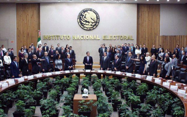 Rinden protesta tres nuevos consejeros del INE - Foto de INE