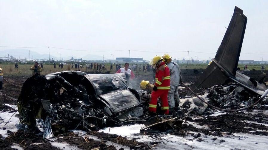 Se estrella avión en Toluca