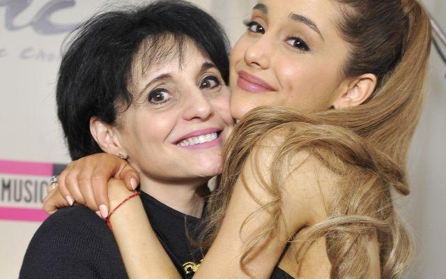 Madre de Ariana Grande manda mensaje de apoyo a víctimas de atentado