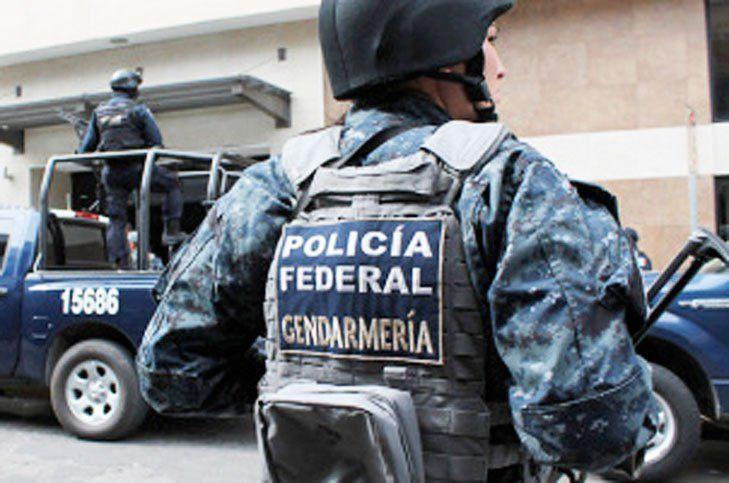 Asaltan a 30 policías federales en Autopista del Sol - Foto de Policía Federal
