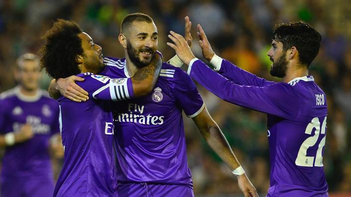 Real Madrid jugará con uniforme morado la final de Champions - Real Madrid s  Brazilian defender Marcelo 5dac16ba7a746