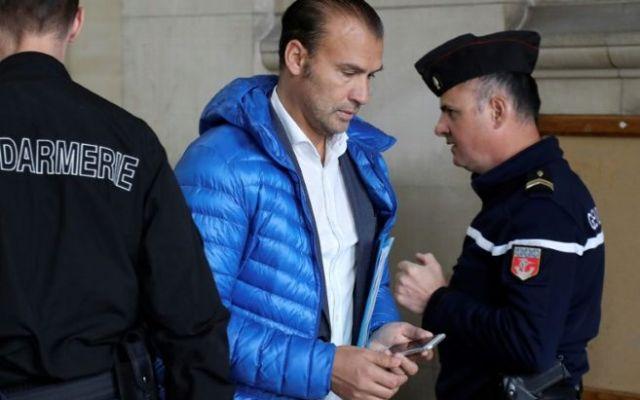 Multan a restaurantero por difundir videos de un atentado en París - Foto de Jacques Demarthon/AFP