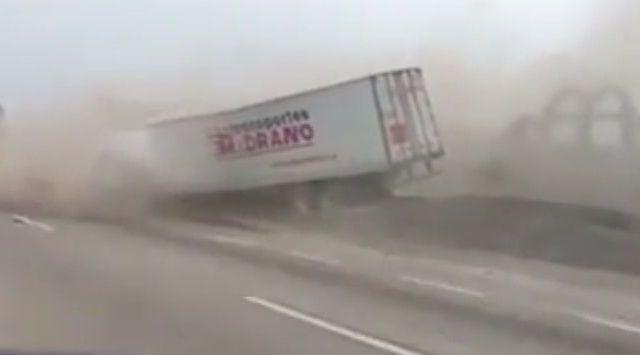 #Video Tráiler se queda sin frenos en la Autopista México-Puebla