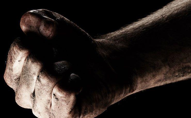 Hombre golpea a su hijastro y lo mata en Nuevo León