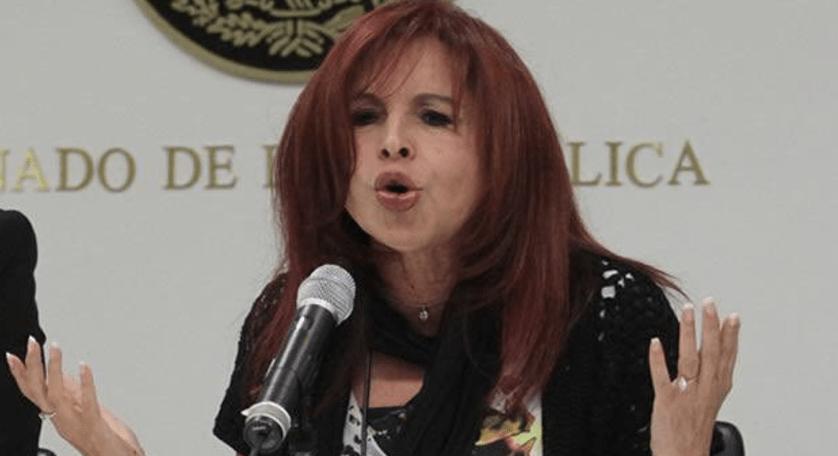 #Video Layda Sansores besa la mano de AMLO