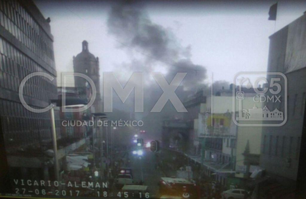 Incendio en Plaza Comercial TechnoPark del Centro Histórico de la Ciudad de México
