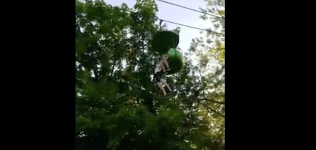Atrapan a joven que cayó de juego mecánico en Nueva York