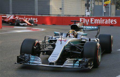 Hamilton y Vettel se enemistan tras carrera - Foto de AP