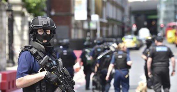 Detienen a 12 por presuntos vínculos con el atentado en Londres - Foto de Fox News