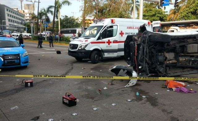Volcadura deja un turista muerto en Acapulco - Foto de Quadratín