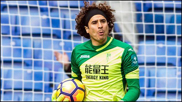 Guillermo Ochoa recibe su primer gol con el Standard Liège - Foto de Mexsport