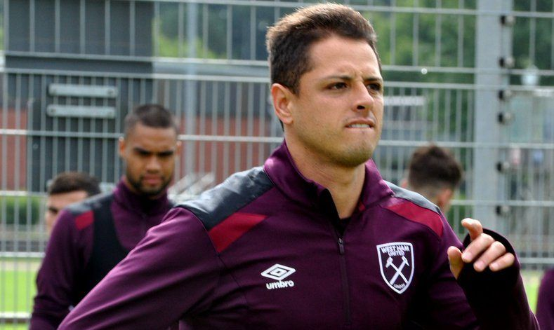 6dd6bb09a West Ham calienta duelo contra United con imagen de Chicharito - Foto de West  Ham United
