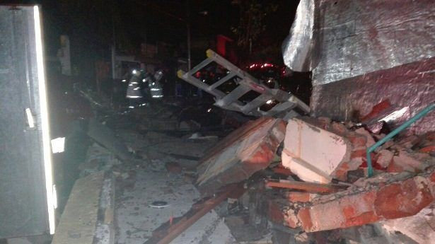 Explosión de tanque de gas deja un muerto en Querétaro
