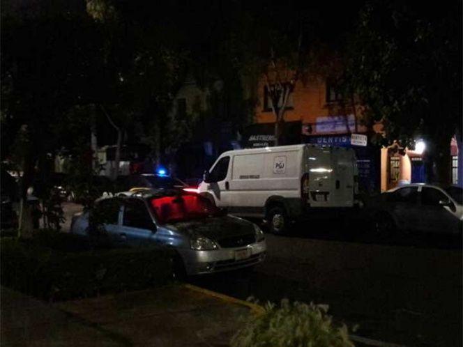 Pareja muere intoxicada tras fuga de gas en la Narvarte - Foto de Mauricio Hernández
