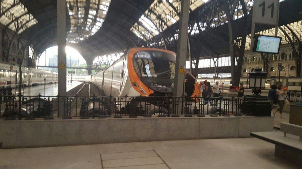 Choque de tren en España deja más de 50 heridos