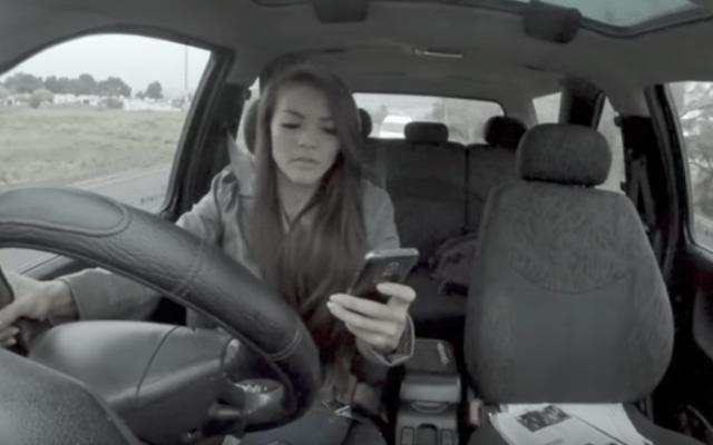 #VIDEO Campaña muestra los riesgos de manejar y mensajear