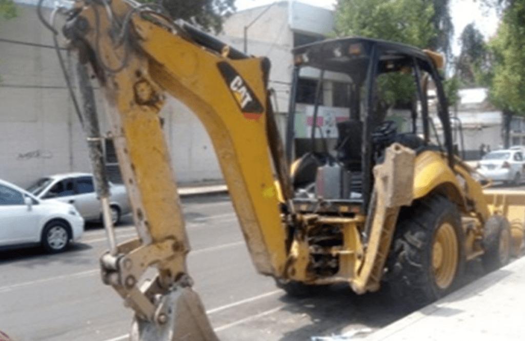 Investigan robo de retroexcavadora en Iztapalapa