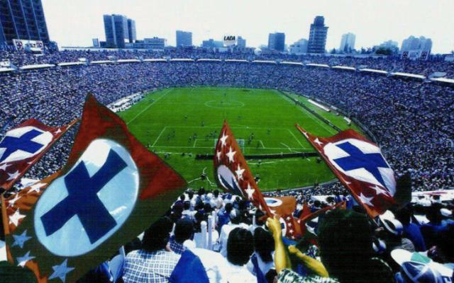 Anunciarán la próxima semana dónde se construirá el nuevo estadio de Cruz Azul - Cruz Azul juega como local en el Azul desde 1996. Foto de archivo