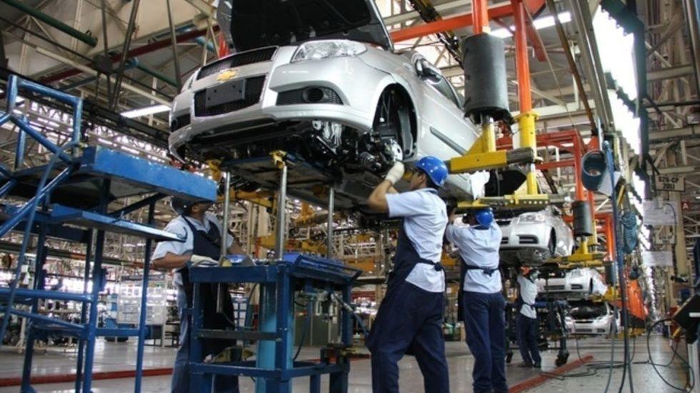 Fabricantes de autos se oponen a aranceles - Foto de Archivo