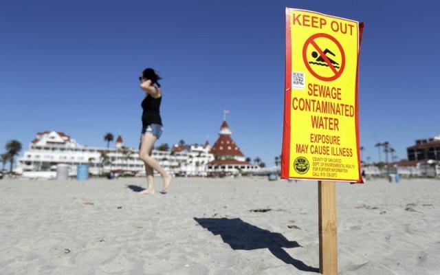 Ciudad de California demandará a México por aguas negras - Foto de AP/Gregory Bull