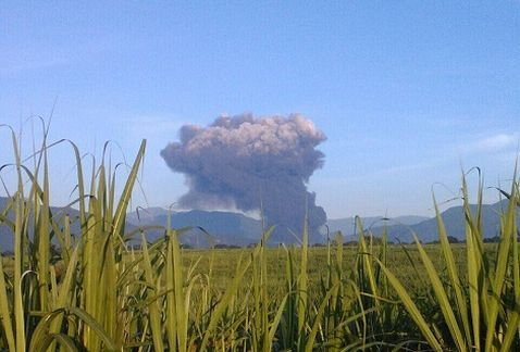 Explosión de ducto de Pemex en Veracruz deja un muerto - Explosión por toma clandestina en Veracruz. Foto de Internet