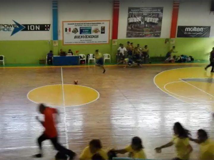 #Video Tiroteo causa terror en partido de basquetbol en Aguascalientes - Captura de pantalla