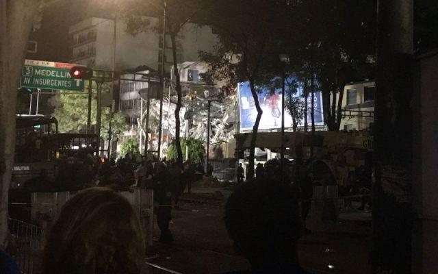 Aceleran labores de rescate en Roma Norte - Foto de MVS