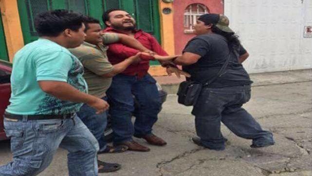 Transportistas retienen a agente del Ministerio Público en Chiapas - Foto de internet