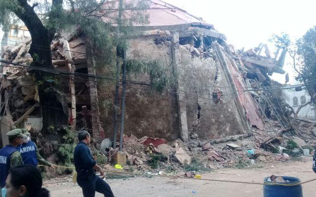 Planta baja débil provocó numerosos colapsos en sismo - Un edificio se derrumbó en la esquina de Gabriel Mancera y Escocia el 19 de septiembre de 2017. Foto de José Miguel Fernández