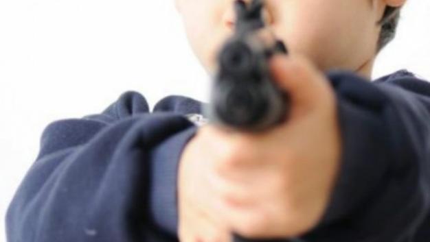 Alumna entra a secundaria con arma en Monterrey - Foto de internet